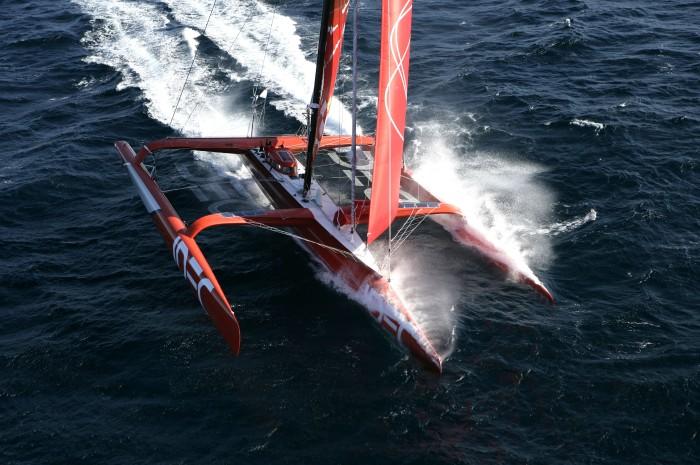 IDEC - najszybszy na oceanach. / Fot. JM Liot / DPPI dla IDEC