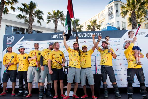 Zwycięzcy świętują. Justin Slatery pierwszy z prawej :) / Ian Roman/Abu Dhabi Ocean Racing/VOR2014