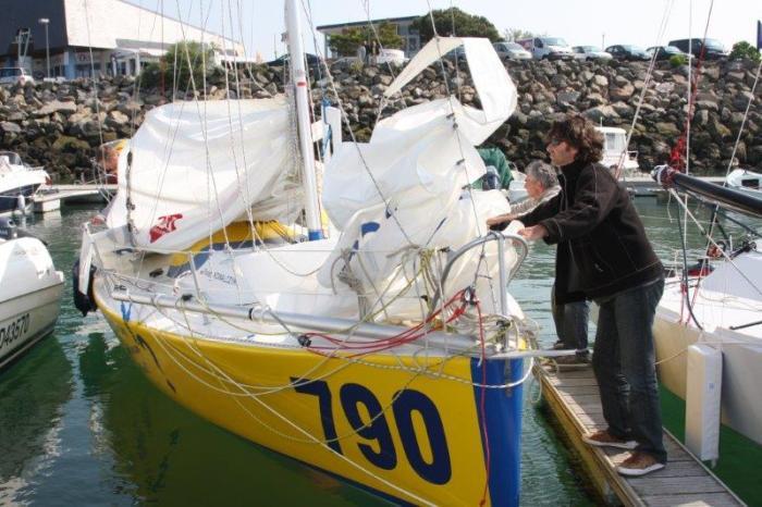 Etienne Bertrand przy jednej ze swoich najszybszych konstrukcji 790 przed regatami Pornichet Select 2011. / Fot. Ocean650