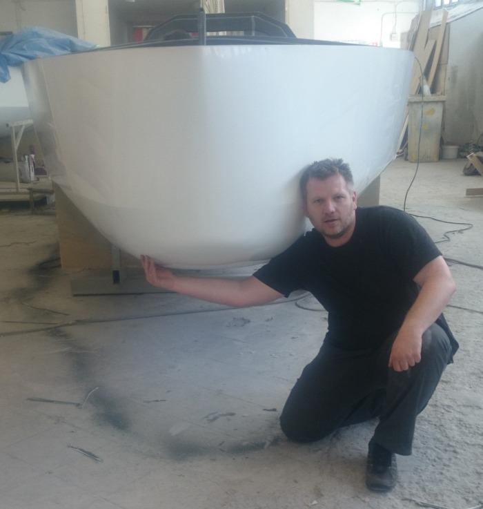 """""""Umiarkowanie okrągły"""" dziób nowego Mini OCEAN650. / fot. OceanTeam"""
