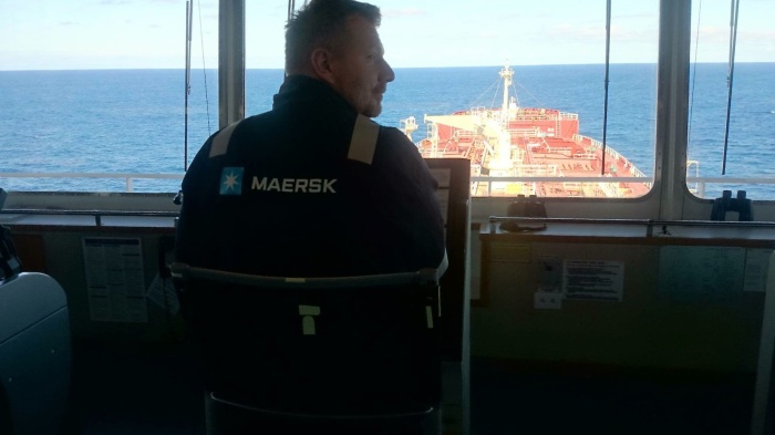 Kombinezon od kapitana statku był przez jakiś czas jedynym ubraniem Radka.