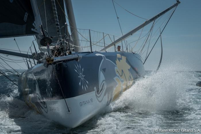 Sebastien Josse na mecie. Nowa Gitana, a raczej nowy Edmund, to bardzo dobry jacht. / Fot. Yann Riou/GITANA S.A.