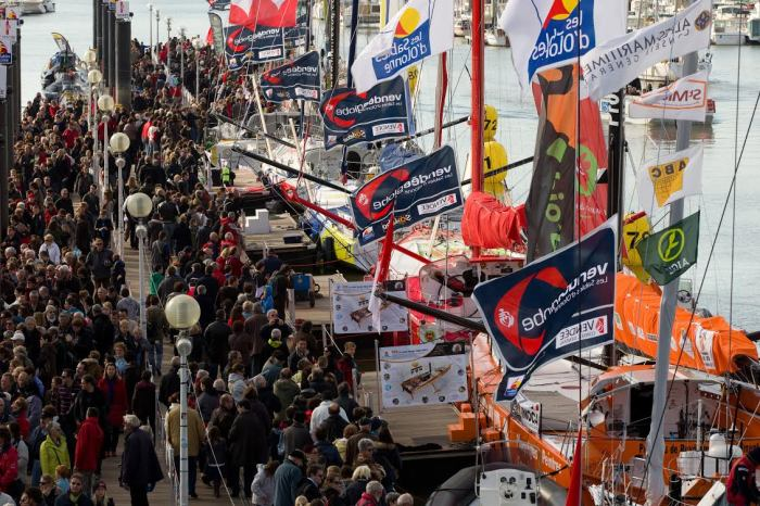 SAILING - PRE VG 2012-2103 - LES SABLES D'OLONNE (FRA) - 06/11/2012 - PHOTO MARK LLOYD / DPPI / VENDEE GLOBE - AMBIANCE PONTOON -
