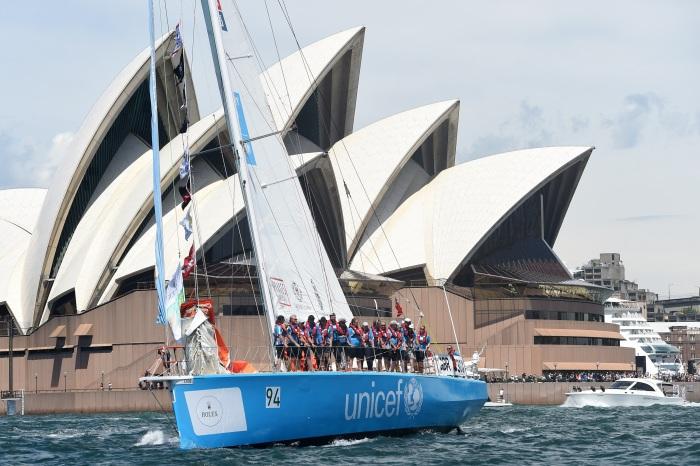 UNICEF przed operą w Sydney. / Fot. AAP dla CLIPPER VENTURES/Paul Miller NO ARCHIVING