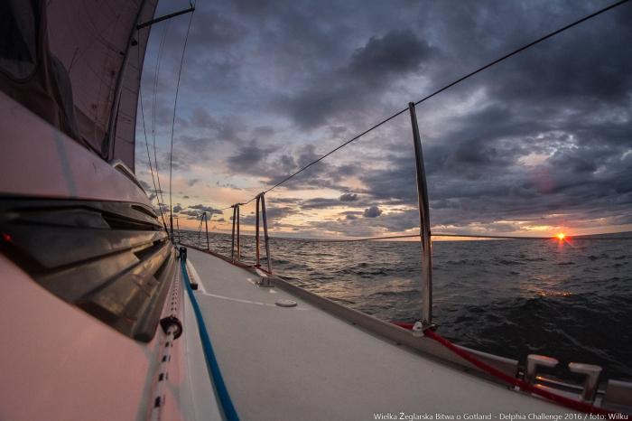 Wschód słońca przy Gotlandii. / Fot. Marek Wilczek