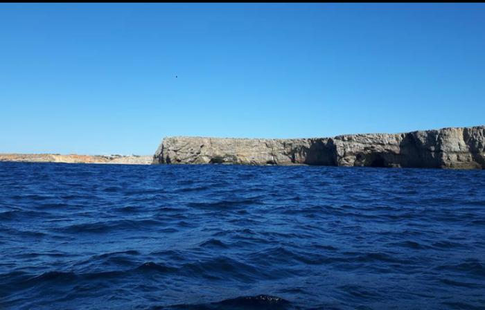 Sagres to rybacka wioska, w której nie ma żadnych wygód. Dlaczego więc stąd startują regaty? Odpowiedź jest prosta - to właśnie tu, w XV wieku, znajdowała się szkoła morska założona przez Henryka Żeglarza.